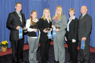 2008 Team B: Derek Heizer, Holly Weeks, Brittany Thompson, Hannah Smith