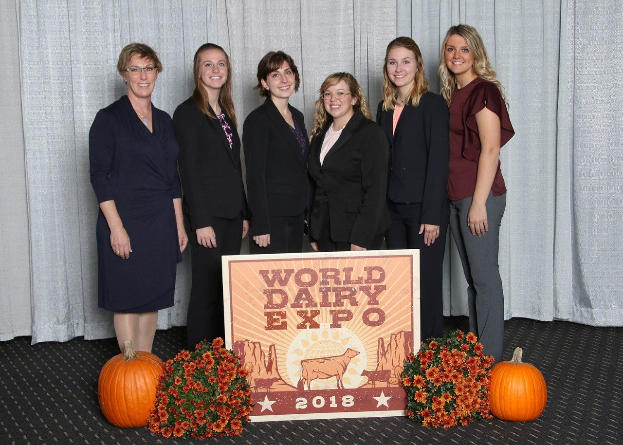 The 2018 Dairy Judging team photo at the World Dairy Expo.