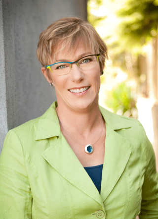 Professional photo of Dr. Katharine Knowlton